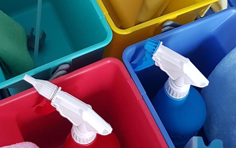 Hohe Reinigungsqualität durch den Einsatz von fachgerechter Reinigungschemie